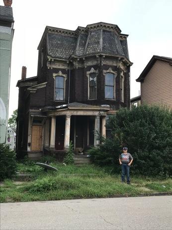 Haunted house!!! Oooooooooooo!!!!! 👻