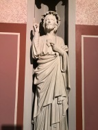 Powerful statue!