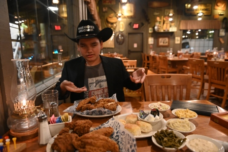 """If ya are gonna eat in Texas, make sure the fried chicken is super fried!""—The Texas Giant, 10 ft 5 in"
