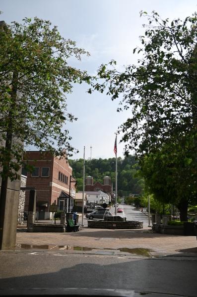 (Maysville, KY) Deep in the heart of Kentucky!