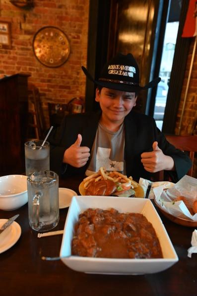 Burger n' stew!!! Yuuuuummmyyy!!!